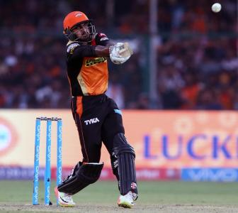 Shankar replaces Pandya for Aus ODIs, Gill receives maiden call-up