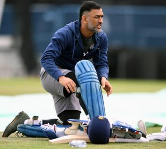 Struggling Dhoni not turning it around enough, says Ganguly