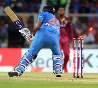 Where did India slip up in the 2nd T20I?