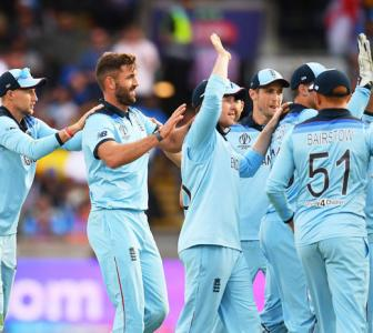 Defeats have made England stronger: Plunkett