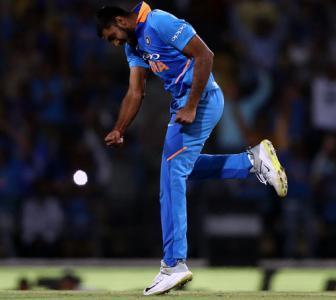 Not competing with Hardik, says Vijay Shankar