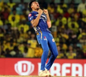 Turning Point: Chahar turns it Mumbai's way
