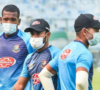 B'desh players continue to train with masks