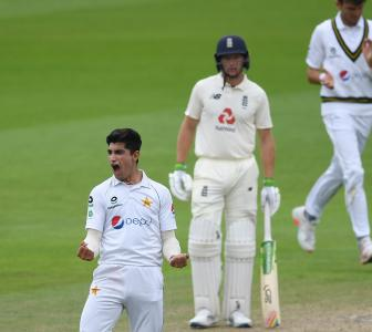 PHOTOS: England vs Pakistan, 1st Test, Day 3