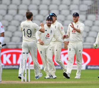 1st Test PIX: Stokes, Woakes keep England in the hunt