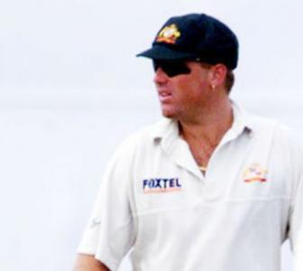 Warne's baggy green raises A$1m for bushfire victims