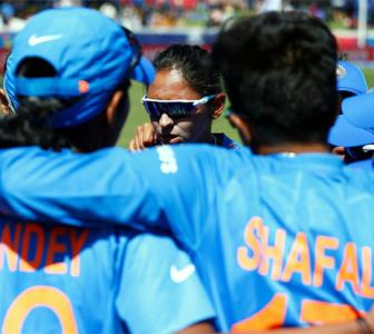 Never lose hope: Tendulkar tells India women's team