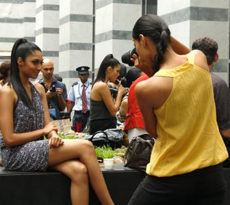 EXCLUSIVE! Hot model turns photographer for Rediff