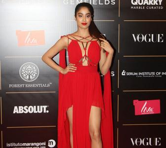 Janhvi's cutout gown is too hot to handle
