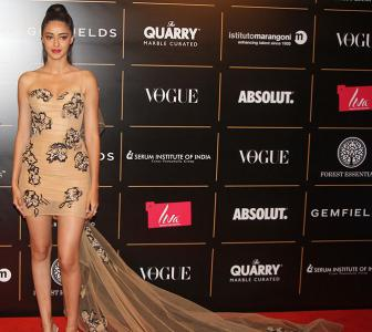 OMG! Ananya Panday flaunts curves in a nude dress