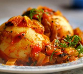 SEE: How to make Egg Roast