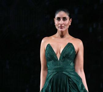 'I'm feeling so sexy tonight': Kareena at LFW