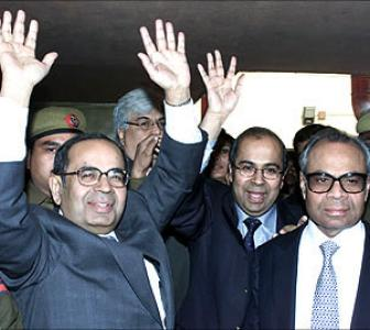 Billionaire Hinduja brothers land in court over assets