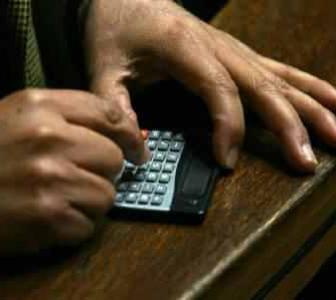 I-T dept's e-calculator can help choose tax regime