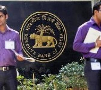 Rupee fall: RBI to sell Rs 22,000-crore bonds every Monday