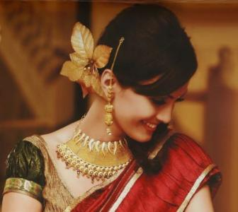 Gold jewellery exports likely to dip by 50% in FY14