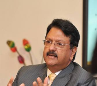 Is Ajay Piramal the Warren Buffett of India?