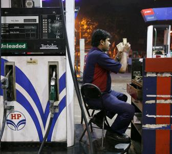 Is it safe to use mobile wallets at petrol pumps?
