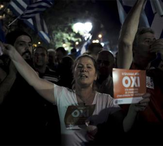 Oil prices tumble after Greece vote