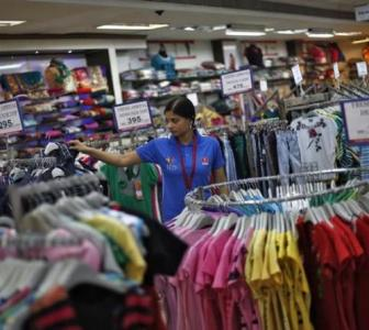 Allow sale of non-essentials: Retailers to govt