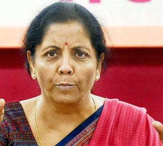 Clear pending vigilance cases, Sitharaman to banks