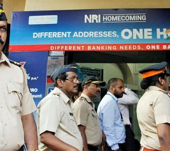 SBI, top pvt banks come together to rescue Yes Bank