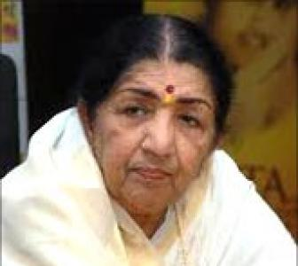 Lata Mangeshkar: Can't imagine anyone else clicking me now