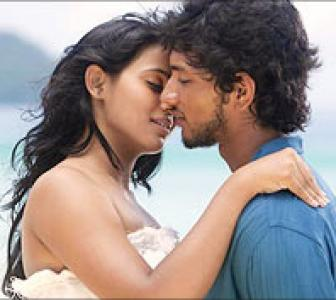 Kadal review: With apologies to director Bharathi Raja