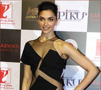 Deepika looks sexy in sheer and she knows it!