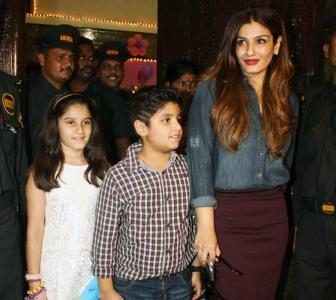PIX: Raveena, Shilpa party with the Bachchans