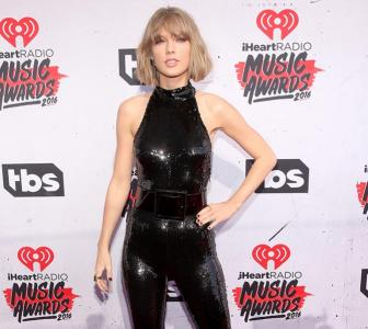 PIX: Taylor Swift, Selena Gomez at iHeartRadio Music Awards