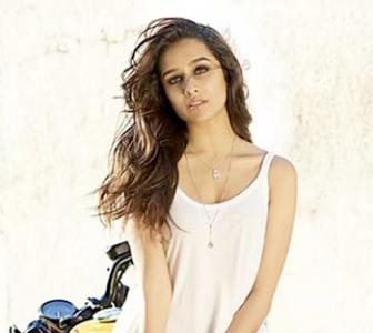 Shraddha, Parineeti's HOT pictures!