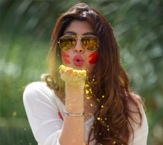 PIX: Calendar Girls' actor Akanksha plays Holi