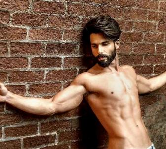 Move over Ranveer, Shahid impresses Bhansali