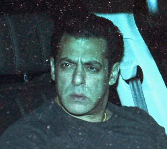 PIX: Salman shows Dabangg 3 to his family