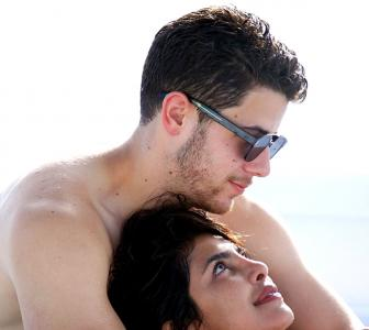 PIX: Priyanka gets romantic in Miami