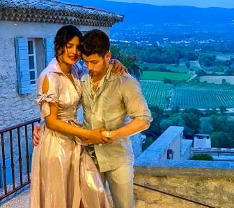 Priyanka-Nick romance in France