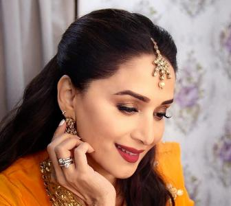 Birthday Special: 10 style tips from Madhuri Dixit