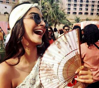 #ThrowbackThursday: Bollywood's HOT summer pix