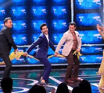 Bigg Boss Day 22: Salman adds a TWIST!