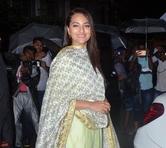 Sonakshi poses; Salman dances at Ganpati visarjan