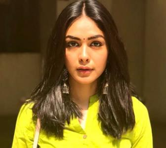 Like Mrunal's desi look?