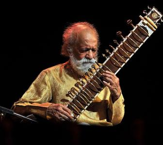 'Pt Ravi Shankar's Sitar played for our souls'
