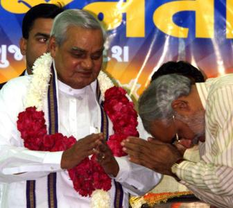'Vajpayee was a statesman, Modi is a doer'