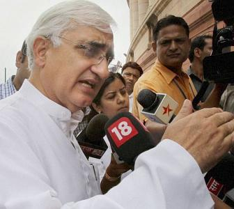 Khurshid on Kejriwal: An ANT doesn't destroy an elephant