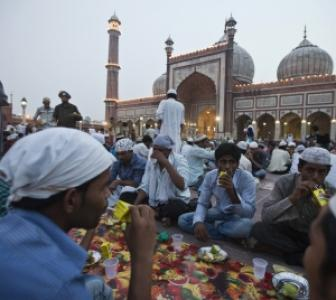 Help U'khand victims, avoid iftar parties: Ajmer Dargah chief