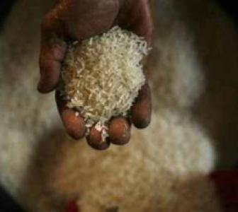 UPA meet on food bill on Monday, Cong leaders discuss options