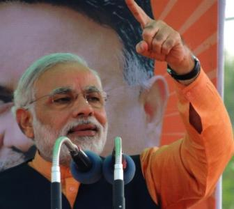 Modi hits back at 'childish' Rahul for toffee comment