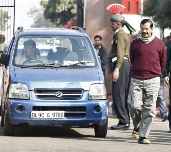 Why do senior govt officials want to leave Delhi?