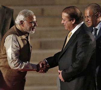 Exclusive! Modi-Sharif had one-on-one meeting without aides